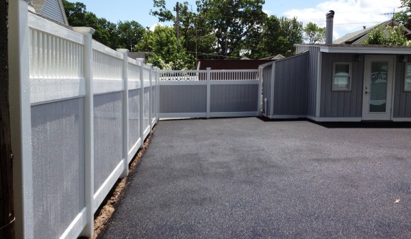 Florida Fence Contractor Vinyl Fence Is Perfect For Your