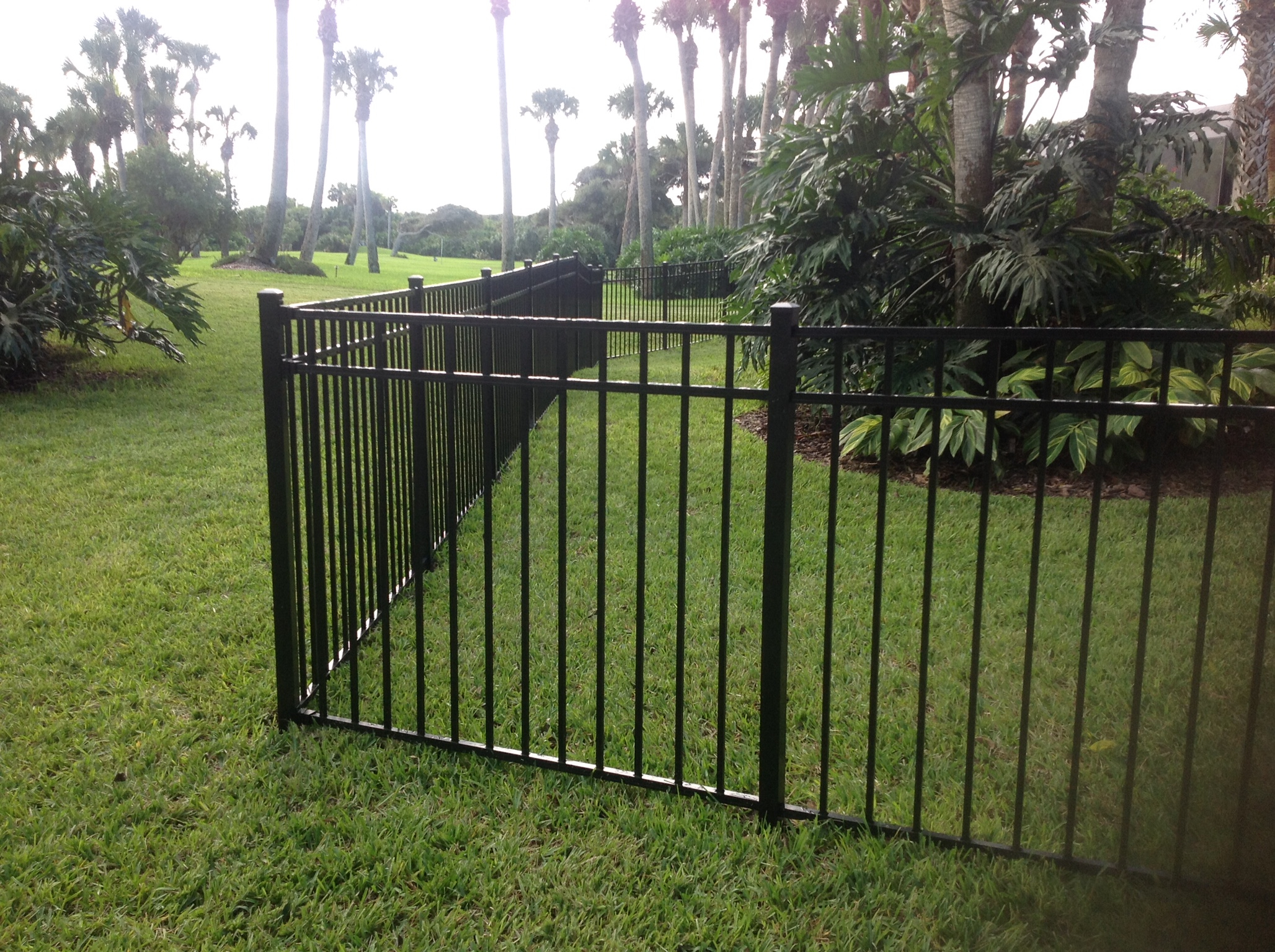 Florida fence contractor aluminum look clean and are
